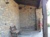 casa_porche_banco_y_rueda